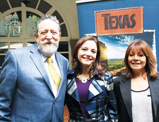 Jorge Sales, Carla Ponce y Maricruz Godinez