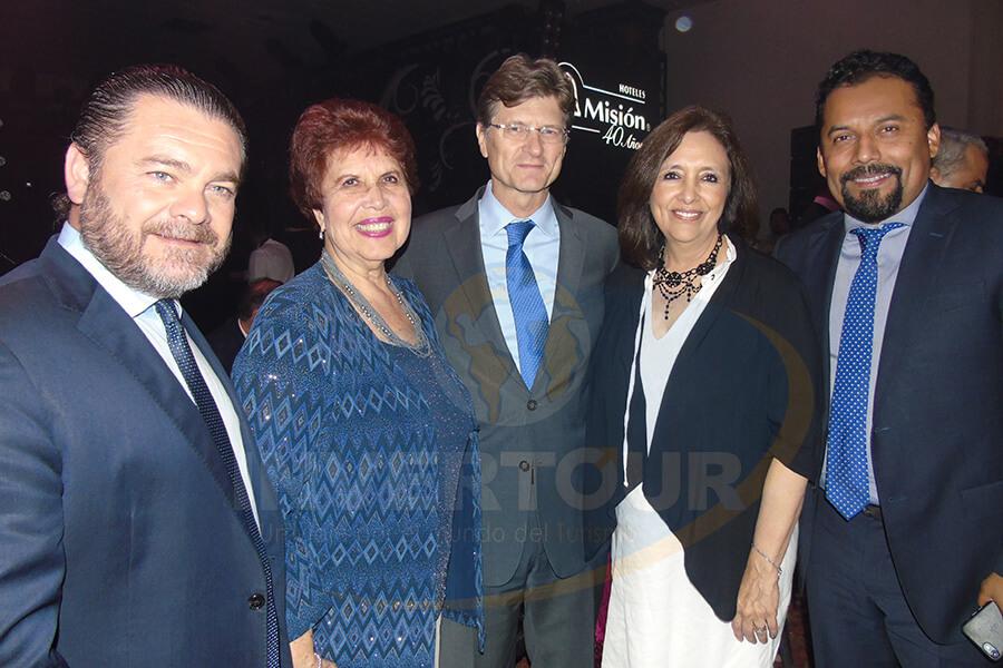 Fernando Olivera Rocha, Yolanda Montes, Enrique de la Madrid, Carmen Torreblanca y Fidel Ovando