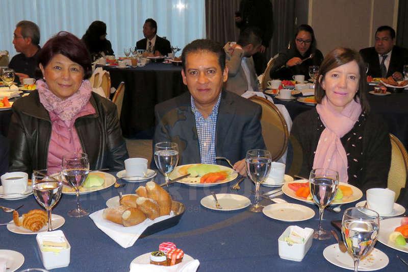 Rocío Aguilar, Alejandro Carapia y Adriana Quepons