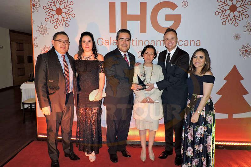 Daniel Bautista, Fanny Orenday, Miguel Ángel y Jessica Cardona, Gerardo Murray y Cynthia Garrido