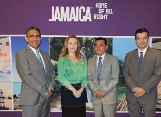 Mauro Arredondo, Laura Nesteanu, Edgar Solís y Carlos Allende