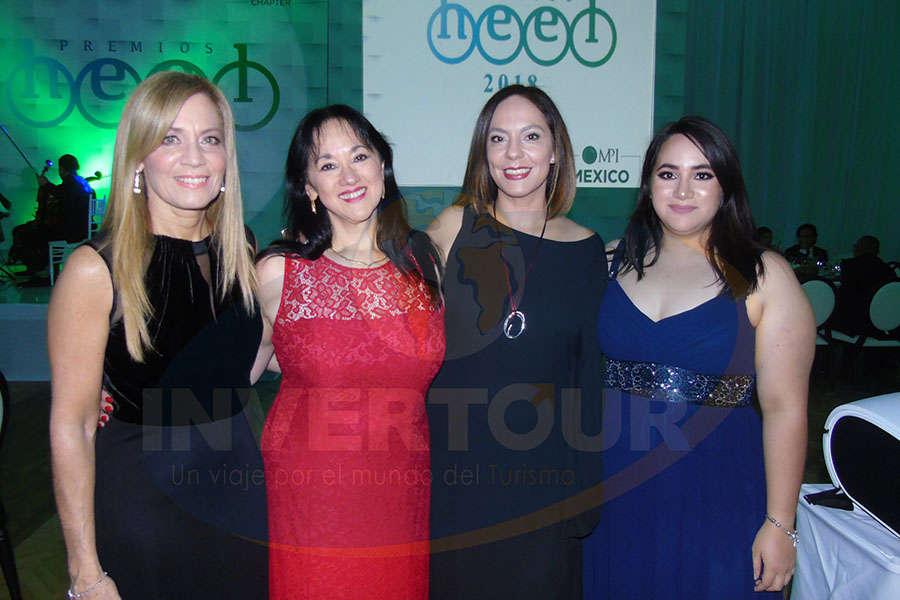 Lourdes Berho, Yarla Covarrubias, Adriana de la Torre y Ximena Guzmán