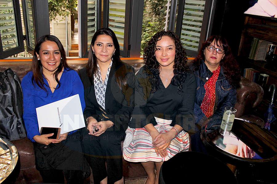 Verónica Hernández, Claudia Carranza, Erika Moreno y Mariana Morales