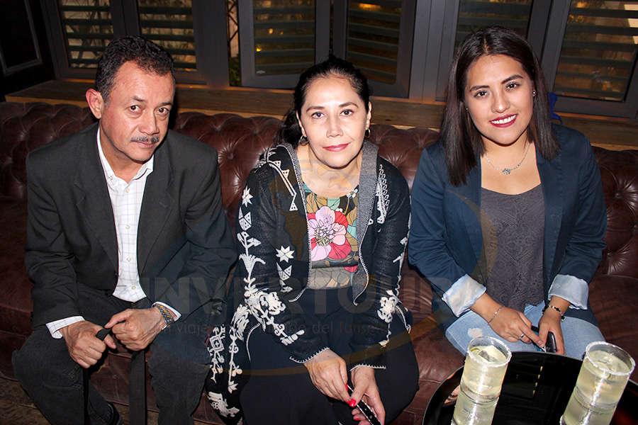 Jorge García, Alejandra Antúnez y Berenice Álvarez