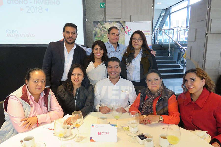Carlos Martínez, Patricia Hernández, Edgardo Anaya y Sandra Aguilar América Ruiz, Roxana Barragán, Jorge Flores, Mónica López y Adriana Garita