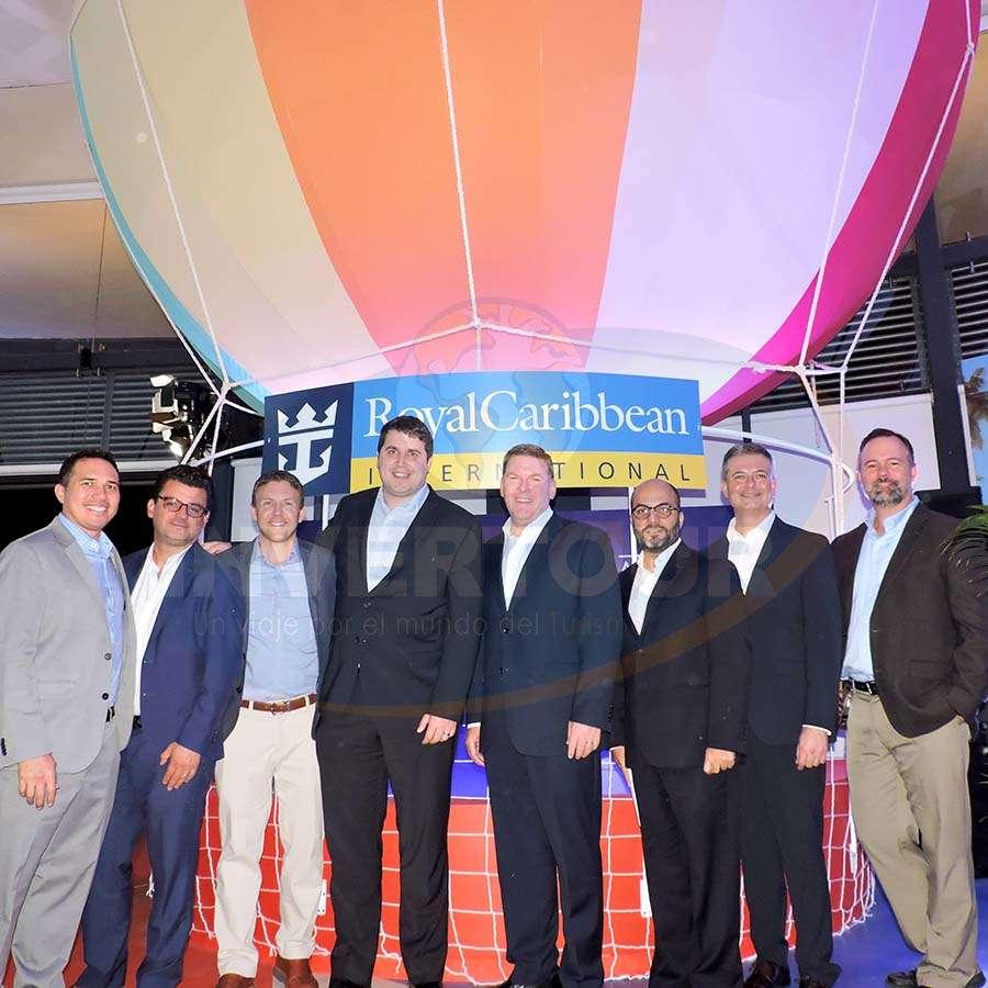 Chad Grospe, Alberto Muñoz, Ted Miller, Sean Tracy, Gavin Smith, Manlio Carpizo, André Pousada y Rick Thorndike