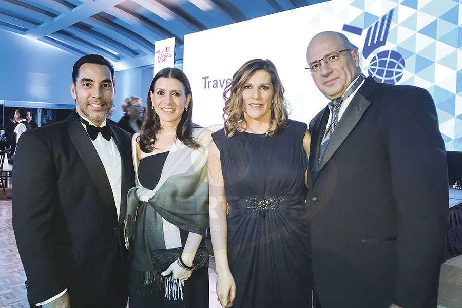 Rafael Aponte y Benedicta Pruneda con Claudia y Arturo Ibargüen