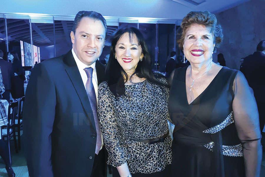 Julián Arroyo, Yarla Covarrubias y Yolanda Montes
