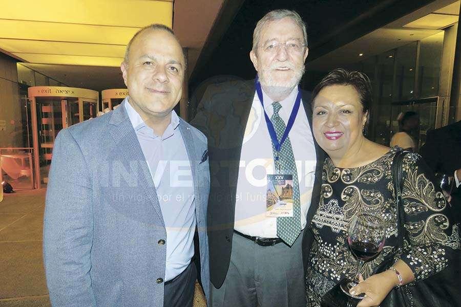Bejamín Izquierdo, Jorge Sales y Lourdes Muciño