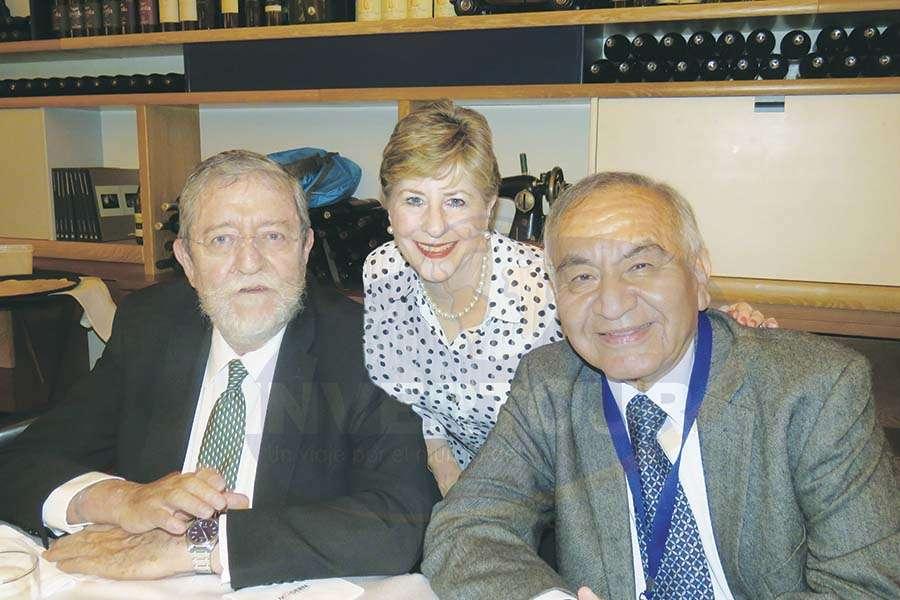 Jorge Sales, Bárbara Jackson y Alfredo Torres