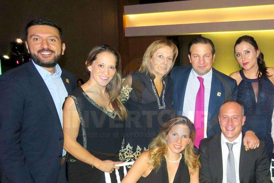 Mauricio Castro, Gina Jiménez, Begoña Fernández, Roberto Trauwitz, Diana Olivares, Ivonne Madrid y Federico Monterrubio