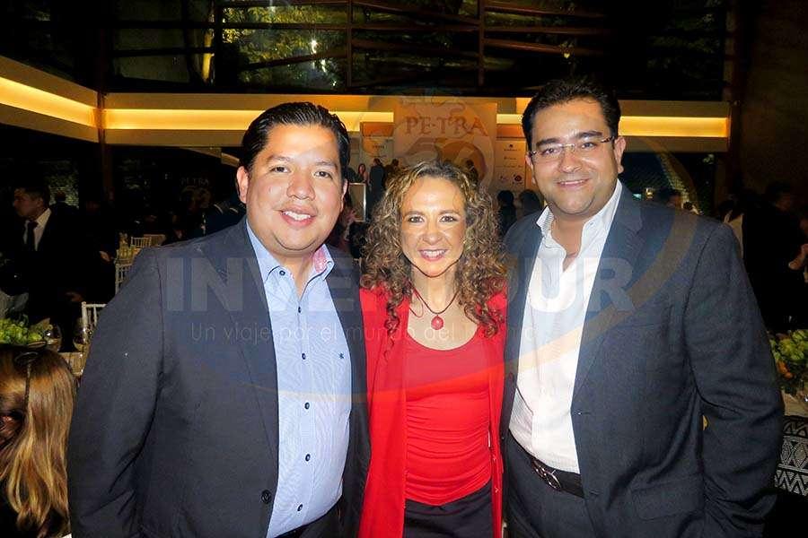 Jorge Alberto Cruz, Giselle Friederichsen y Julio Álvarez