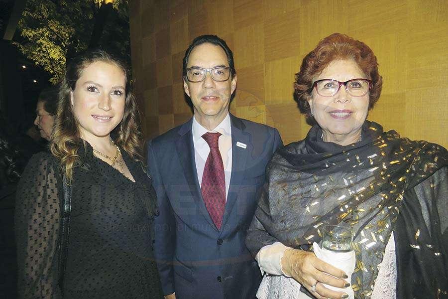 Carla García, Alejandro Lemus y Yolanda Montes