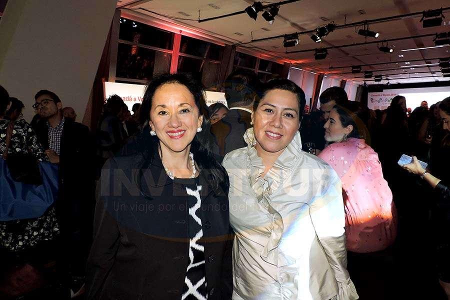 Yarla Covarrubias con Brenda Alonso