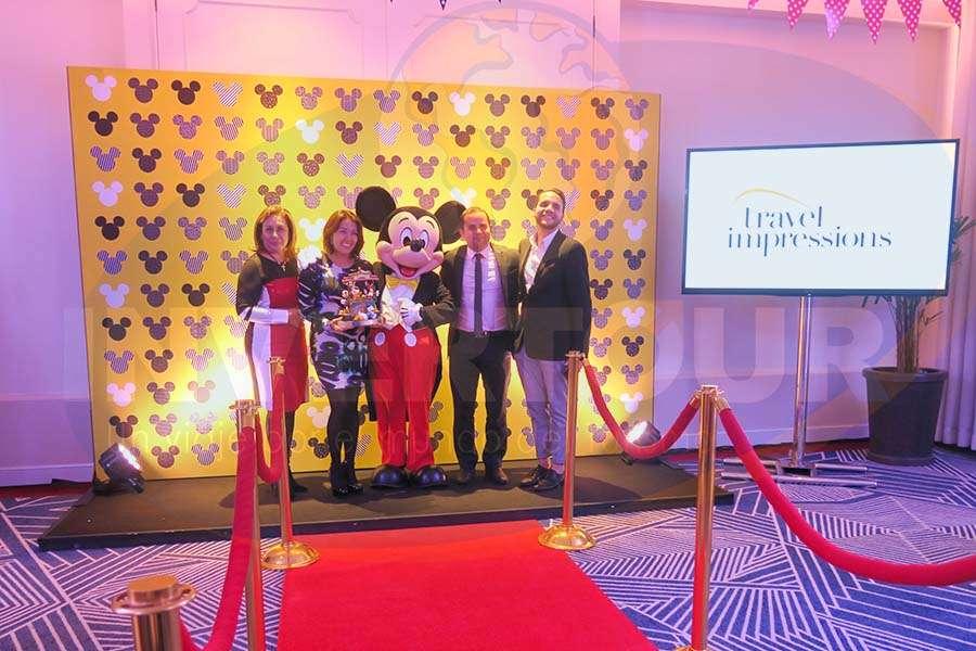 Tanya Espejel, Flor Guerrero, Mickey Mouse, Mauricio Bustamante y Sergio Sandoval