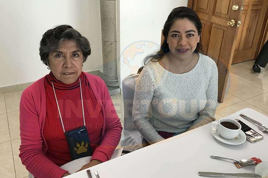 Virginia Campos con Lucía Vargas