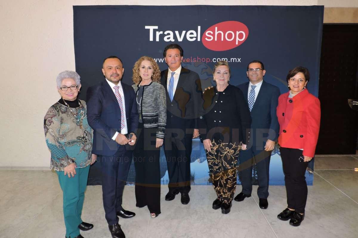Alejandra Galván, Miguel Galicia, Noemí Novelo, Ermilo Barrera, Tirsa Rodríguez, David Ferrer y Tere Vargas