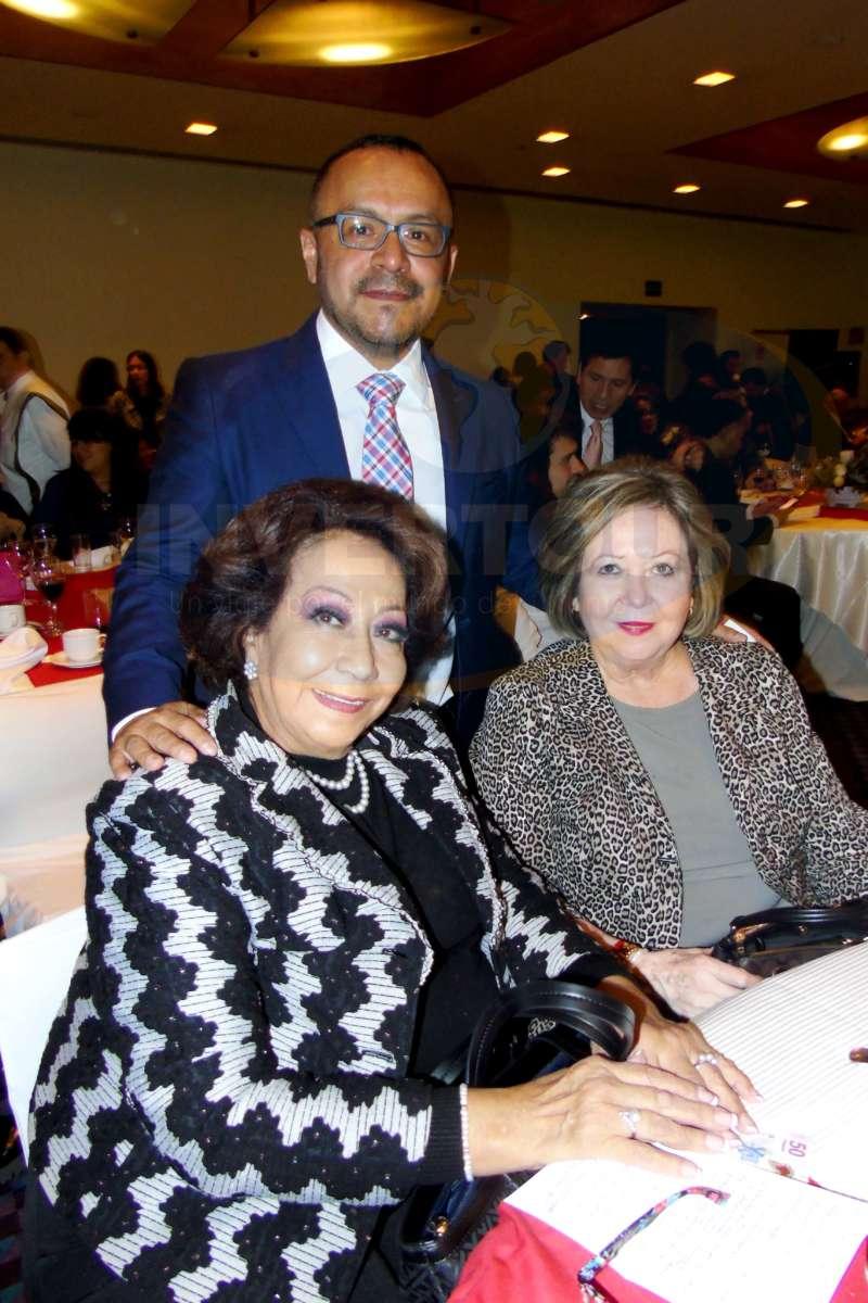 Concheta Chiquini, Miguel Galicia y Araceli Garza