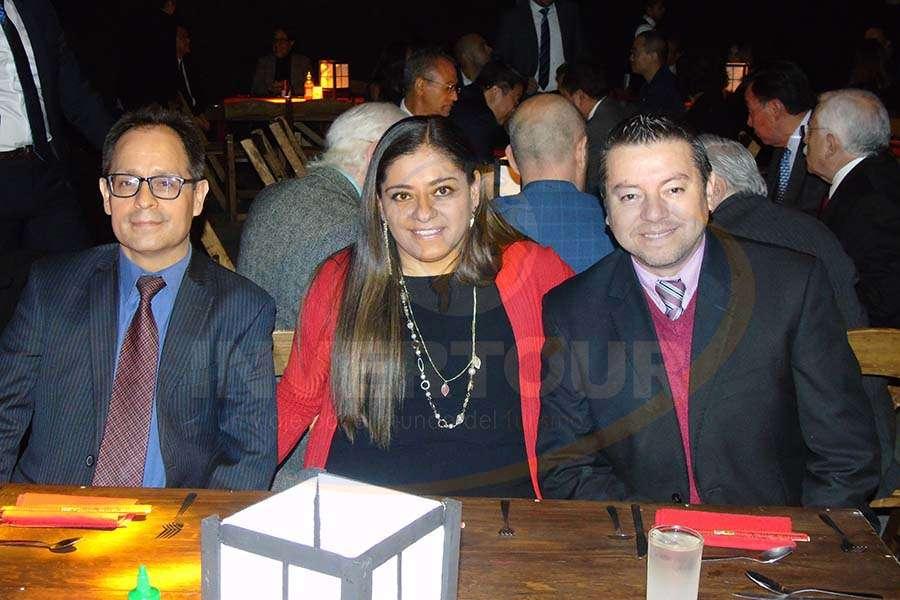 Alejandro Sosa, Karina González y José Albor