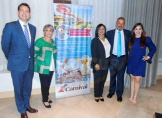 Iain Baillie, Lilia y Larissa Riquelme, Juan Carlos Yebra y Paola Riquelme