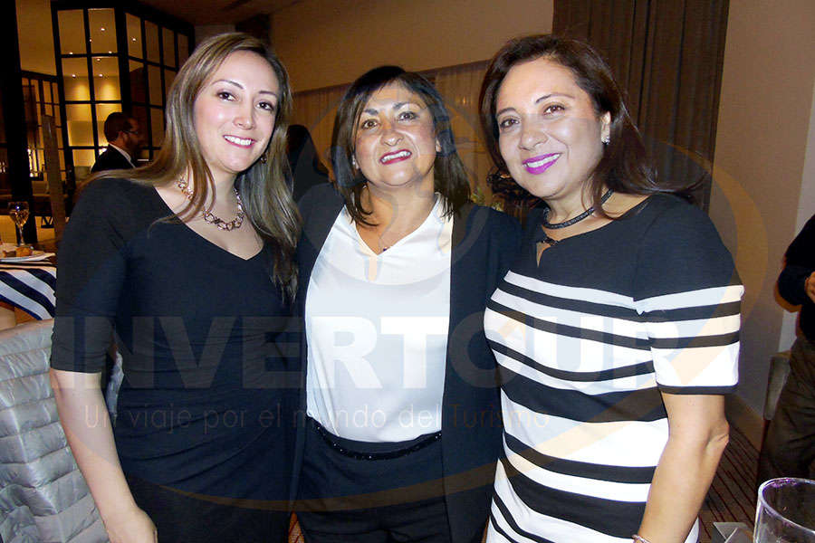 Jenny Zapata, Larissa Riquelme y Claudia González