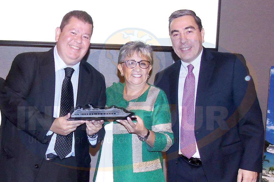 Adrián Garza, Lilia Riquelme y Daniel Martínez