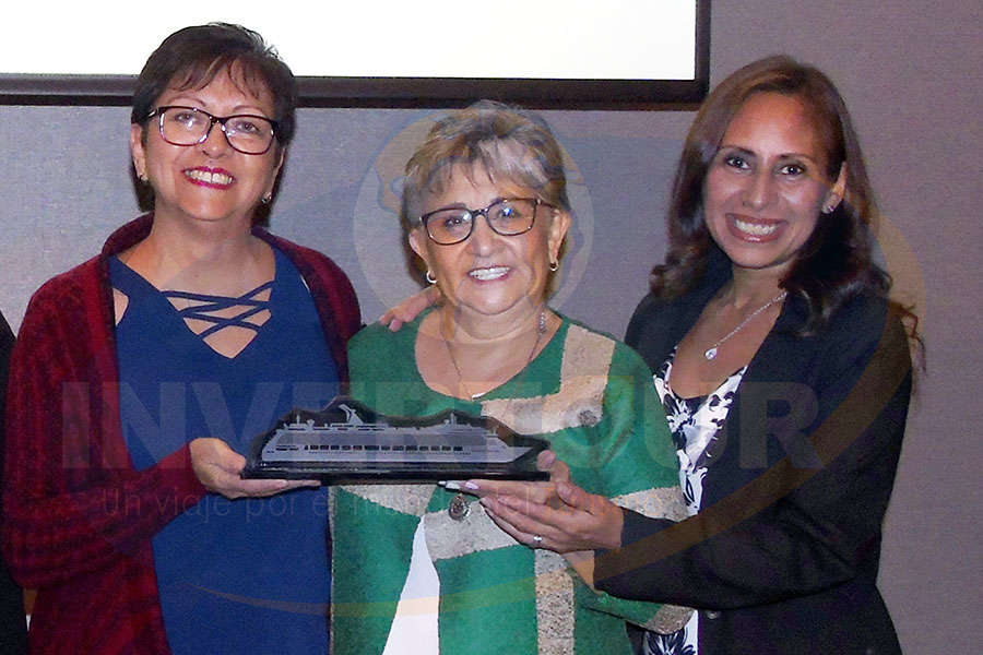 Yolanda González, Lilia Riquelme y Karelia Paralizabal