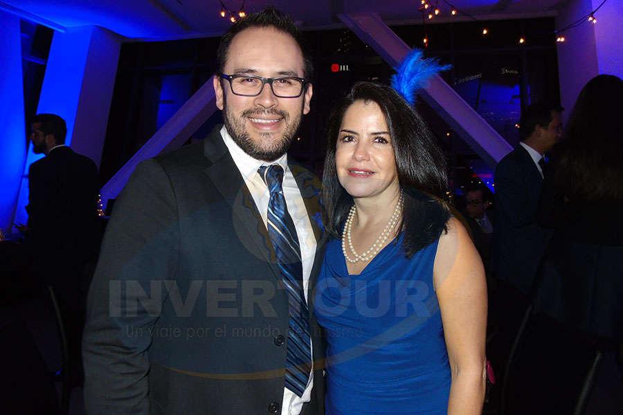 Jesús Martínez Jr. con Susy Orizaga