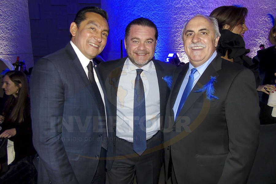 Edgar Solís, Fernando Olivera y Ursi Villar