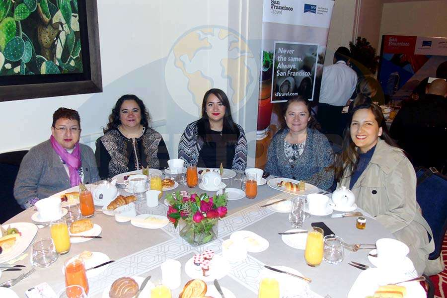 Lourdes Trejo, Yazmín Vargas, Ximena Guzmán, Diana Mancilla y Abril Michel