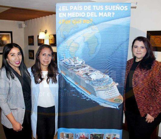Gissel Moreno, Karelia Paralizabal y Adriana Holguín