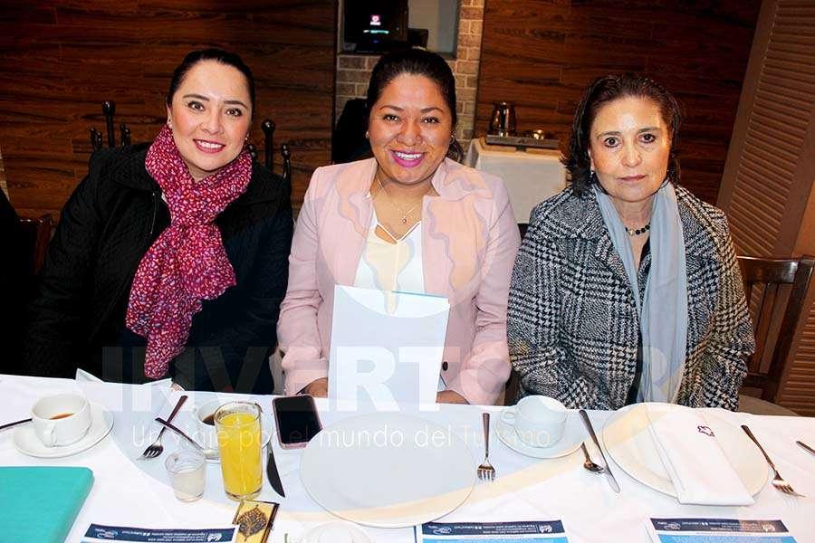 Alin Vilchis, Erika Barrera y María Guadalupe Navarro
