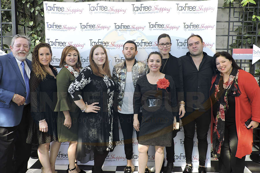 Jorge Sales, Carla García, Silvia Garza, Morgan Taylor, Manuel Huerta, Carla Ponce, Andrea Devaldenebro, Samuel Durazo y Martha Hinojosa