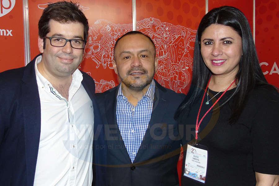 Entre amigos: Oriol Riera,  Miguel Galicia y Betty Sandoval
