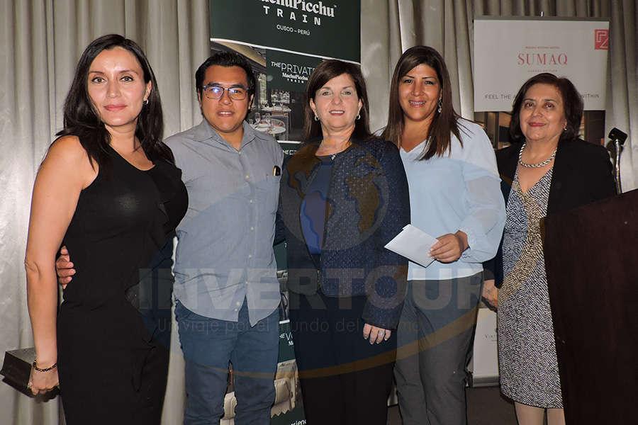 Diana Olivares, Ángel Hernández, Maritza Montero, Angie Clavijo y Guadalupe Gómez