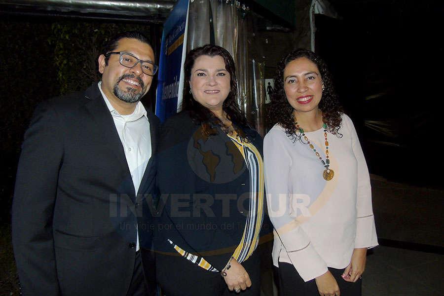 Ramiro Gómez, Adriana Holguín y Linda Loranca