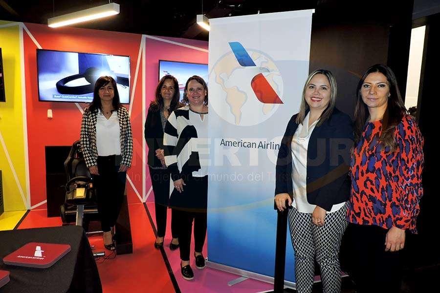 Edna Peña, Susana Nieto, Teresa Mijares, Lucero García y Claudia Carranza