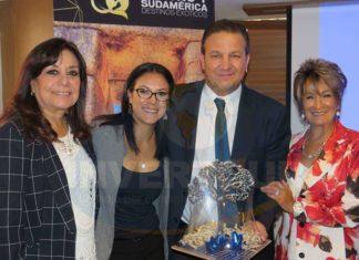 Elizabeth González, Ana Laura Serrano, Roberto Trauwitz y Connie Martin