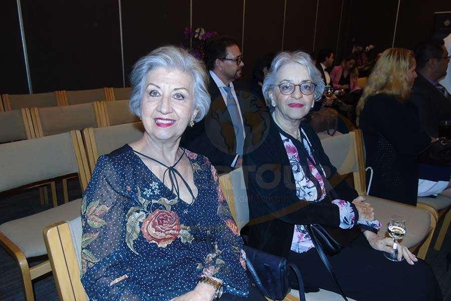Maria Luisa Luengas y Ana Soto