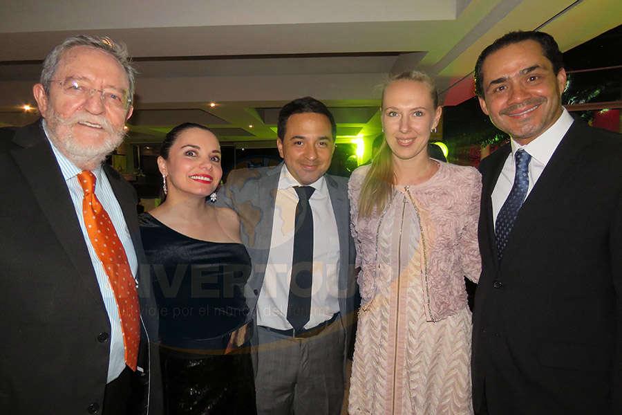 Jorge Sales, Carla Ponce, Oscar Girón, Aliaksandra Khadachynskaya y Benjamín Díaz