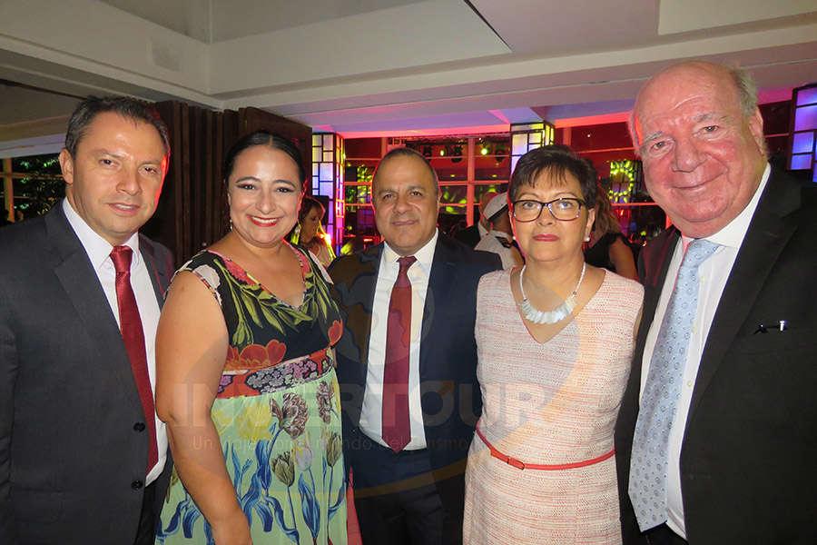 Julián Arroyo, Xochitl Arbesu, Benjamín Izquierdo, Yolanda González e Isaac Brown