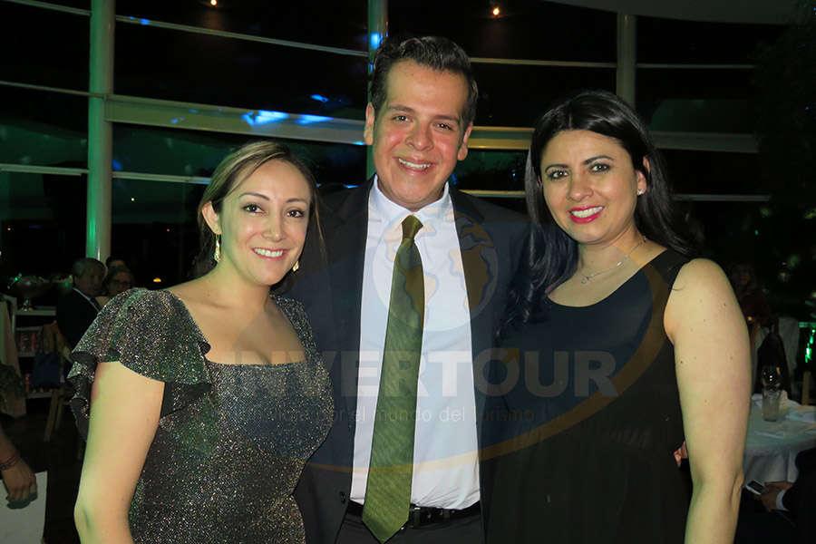 Jenny Zapata, Enrique Segura y Betty Sandoval
