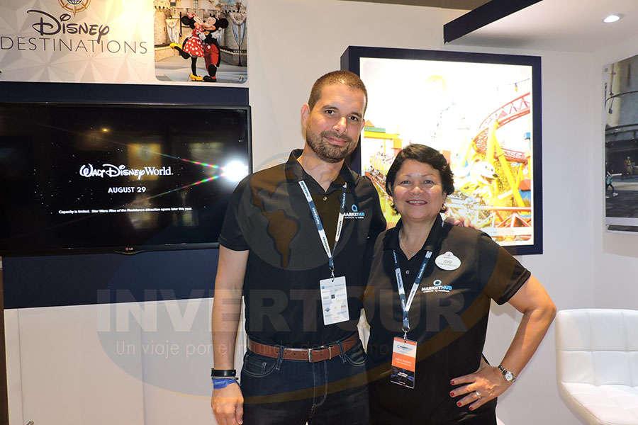 Angel Sarria con Cyd Pastrana