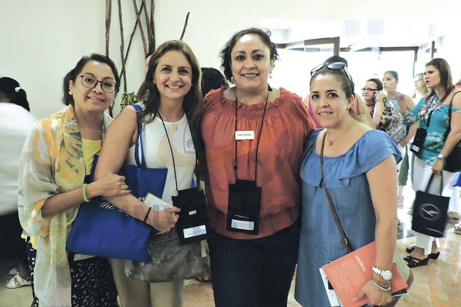 Silvia García, Mónica Díaz, Karla Coxtinica y Elizabeth Jiménez