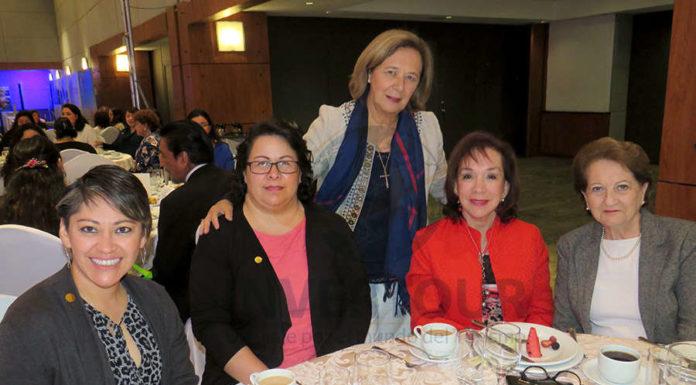 Paloma Ku, Maite Brunnet, Luz María Rivas, Teresita Muñoz e Isabel Gómez