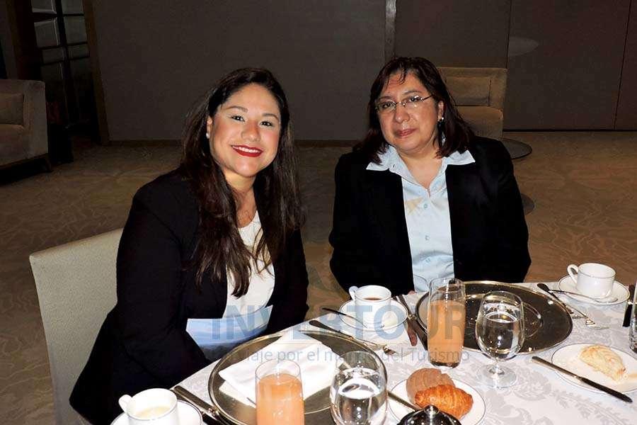 Dara Hernández y Elizabeth Lara