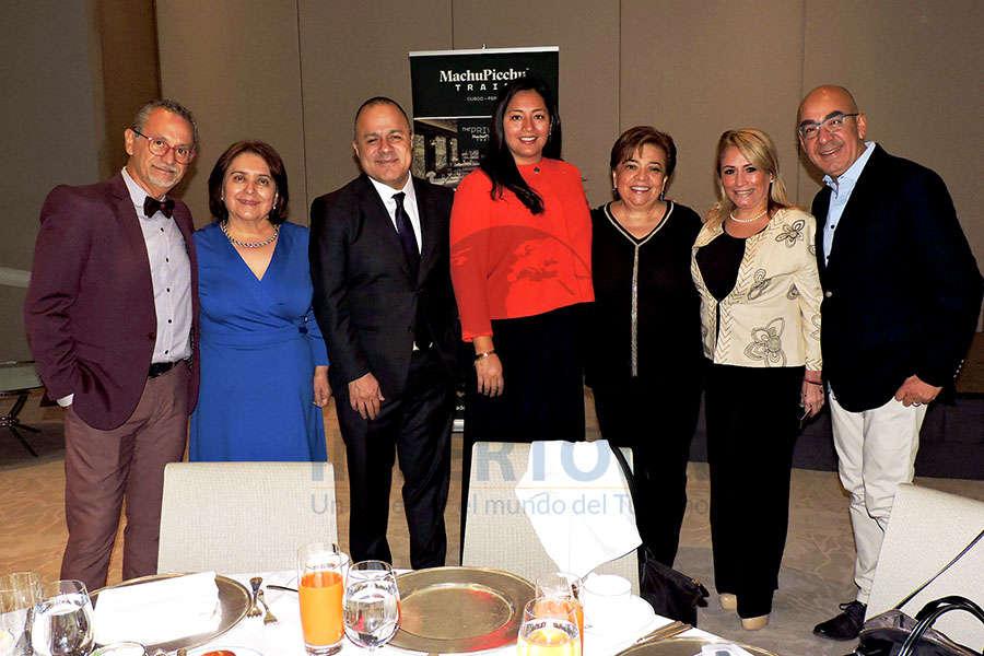 Jaime Rogel, Lupita Gómez, Benjamín Izquierdo, Inés Orihuela, Maru Bravo, Claudia Beauregard y Erwin Romero