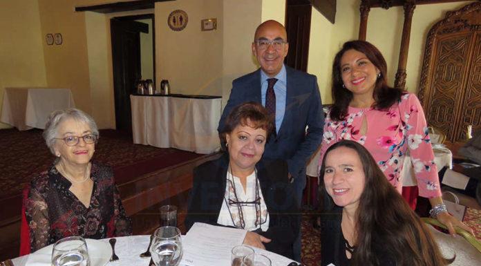 Ana Soto, Rosy Delgado, Erwin Romero, Claudia Blanco y Maricela de la Parra