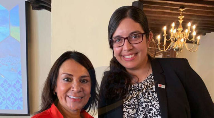 Ruth Leal y Rosario Villalobos