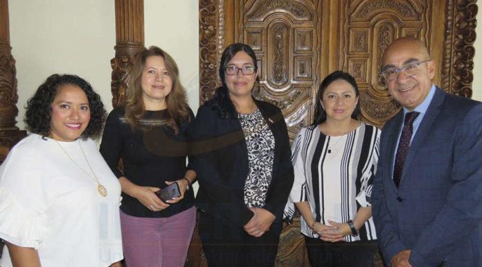 Rosa Camacho, Judith Ruíz, Rosario Villalobos, Claudia Garduño y Erwin Romero